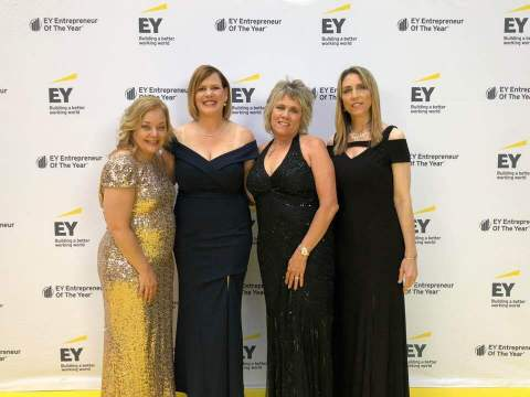 Dawn Zier, CEO of Nutrisystem, Inc. (second from left) received the Entrepreneur Of The Year® 2018 Award in the Retail & Consumer Products category in the Greater Philadelphia region at a special gala event at the Kimmel Center for the Performing Arts in Philadelphia. (Photo: Business Wire)