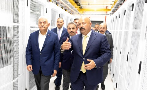 Turkcell's new Izmir Data Center was inaugurated on June 22 with the participation of Binali Yildirim, Prime Minister of the Republic of Turkey, and the inaugural event was hosted by Ahmet Akca, Chairman of the Board of Turkcell, and Kaan Terzioglu, Turkcell's Chief Executive Officer. (Photo: Business Wire)