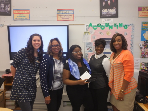 Samantha du Preez, senior schools manager, EverFi; Gia Holmes, career and technical education instructor, Cass Technical High School; Maniah Akram, Cass Technical High School student and scholarship recipient; Byna Elliott, chief community and economic development director, Fifth Third Bank; Lori Singleton, assistant principal, Cass Technical High School (Photo: Business Wire)