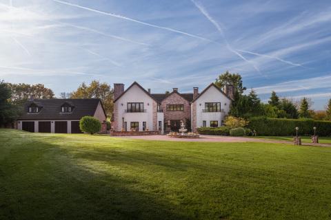 コンペの賞品は10エーカーの土地に建つこの英国の邸宅(写真:ビジネスワイヤ)