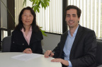 UC Berkeley Extension Dean Diana Wu (left) with Global Alumni CEO and Founder Pablo Rivas (Photo: Business Wire)