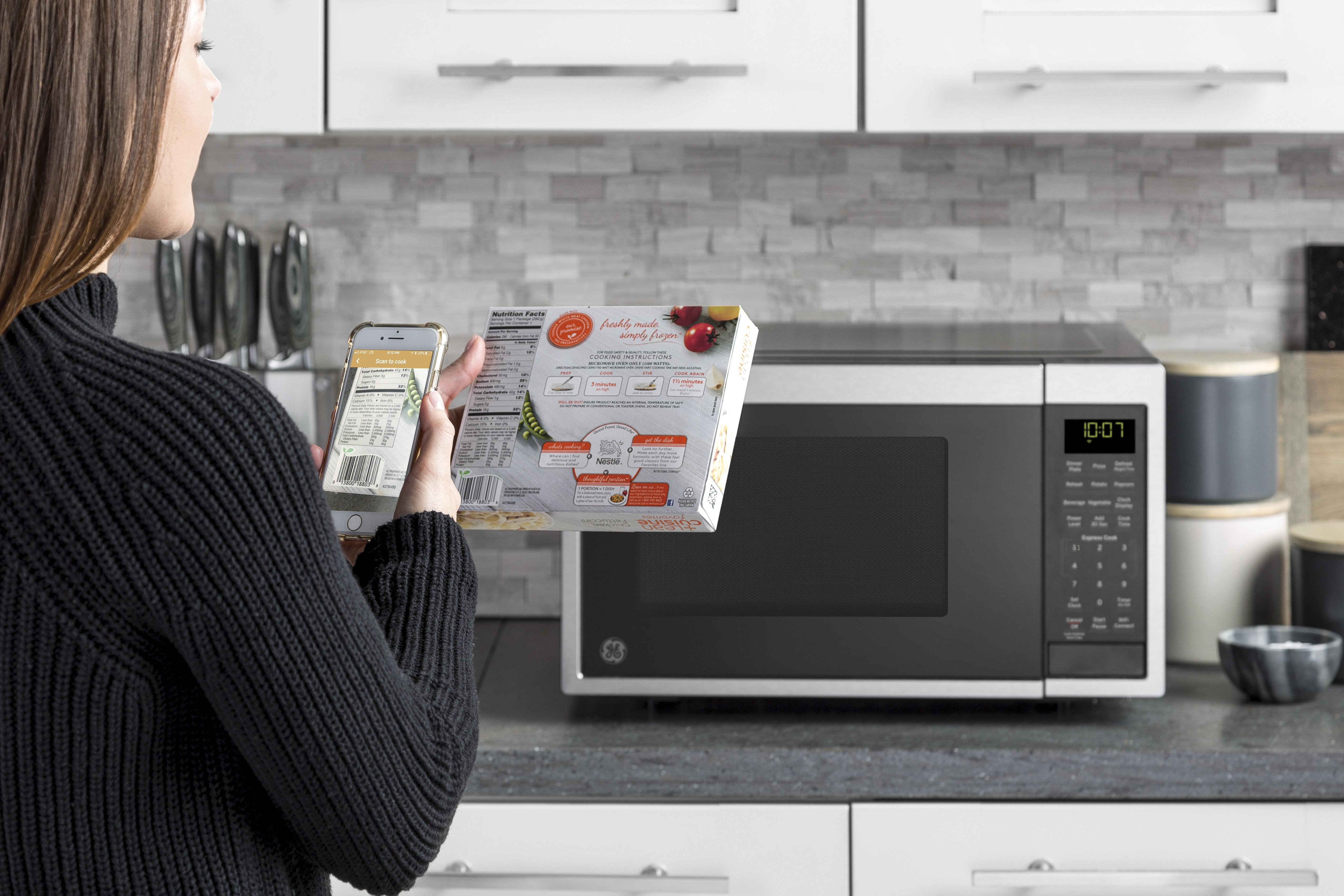 Just scan and cook ge appliances simplifies the microwave with new ge appliances wendy treinen 502 452 5002 wendyeinengeappliances publicscrutiny Gallery