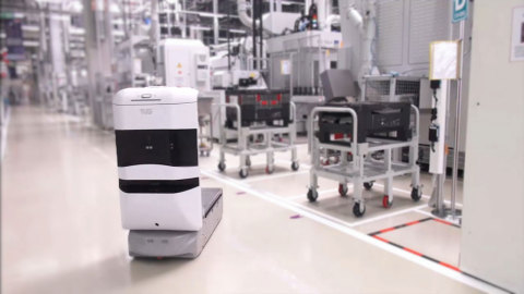 TUG autonomous mobile robot delivers materials in manufacturing, healthcare and hospitality environments. (Photo: Business Wire)