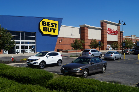 Two anchor stores in the Parkway Centre North shopping center, recently acquired by Berengaria Development. (Photo: Business Wire)