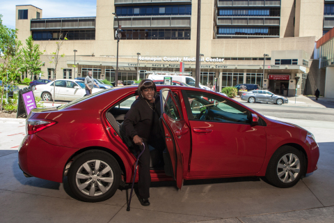 Theresa Epps arrives at her doctor's appointment in a Lyft car automatically arranged by Hitch Health. (Photo: Business Wire)