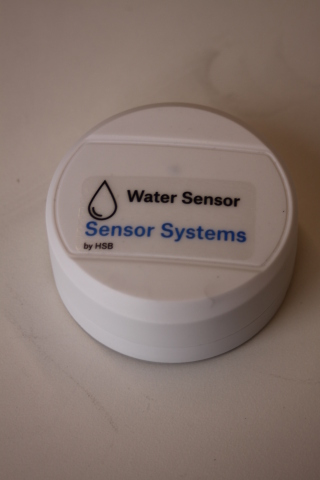 Sensor Systems by HSB helps insurers and customers prevent pipe freeze and water damage with IoT-connected technology. (Photo: Business Wire).