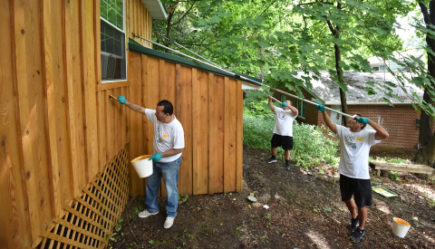 PPG announced the completion of a COLORFUL COMMUNITIES™ project in Springdale, Pennsylvania, that helped revitalize the Rachel Carson Homestead. (Photo: Business Wire)