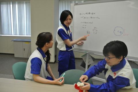 女性社員企画中の様子 (写真:ビジネスワイヤ)