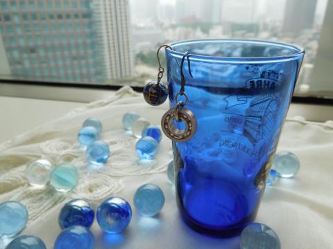 お土産のベアリングを使ったアクセサリーのイメージ (写真:ビジネスワイヤ)