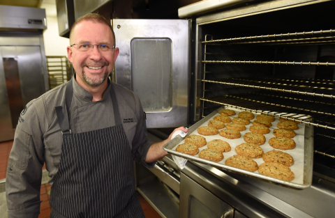 DoubleTree by Hilton Chief Cookie Officer Chef Roger Maune (Photo: Business Wire)