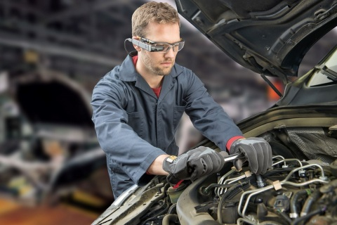 Toshiba today announced the availability of Atheer's AiR Enterprise™ software on Toshiba's dynaEdge AR smart glasses solution enabling the company's first AR workflow solution utilizing Windows 10 Pro. (Photo: Business Wire)
