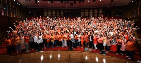 VIPKid teachers gather at the George W. Bush Presidential Center in Dallas with Mrs. Laura Bush, VIPKid Founder and CEO Cindy Mi, and Dallas Mayor Mike Rawlings (Photo: Business Wire)