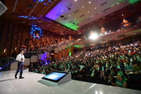 Jack Ma address an audience of 800 entrepreneurs, students, academics, VCs and policy makers at Wits University. Courtesy of Jack Ma Foundation.