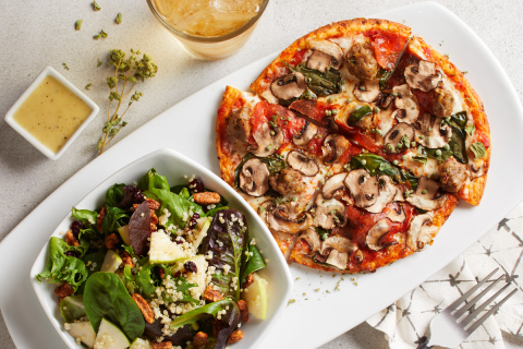 California Pizza Kitchen now offers Lunch Duo pizzas on the popular Cauliflower Pizza Crust. Photo: California Pizza Kitchen