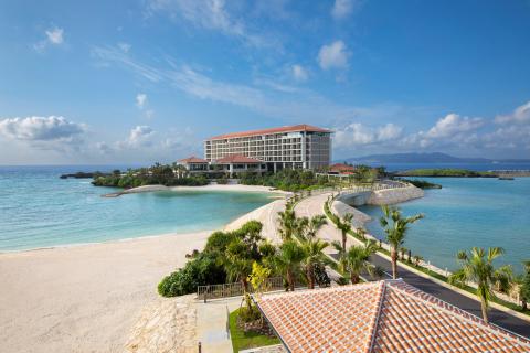 Exterior view of Hyatt Regency Seragaki Island Okinawa (Photo: Business Wire)