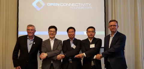 (Left to Right) Dr. Matthew Perry, OCF Chairman, Dr. I.P. Park, President and Chief Technology Officer, LG Electronics, Dr. Hyogun Lee, Head of Engineering, Samsung Electronics, Wenting Yu, Chief Operating Officer, Haier U+, Jan Brockmann, Chief Operations Officer, Electrolux (Photo: Business Wire)