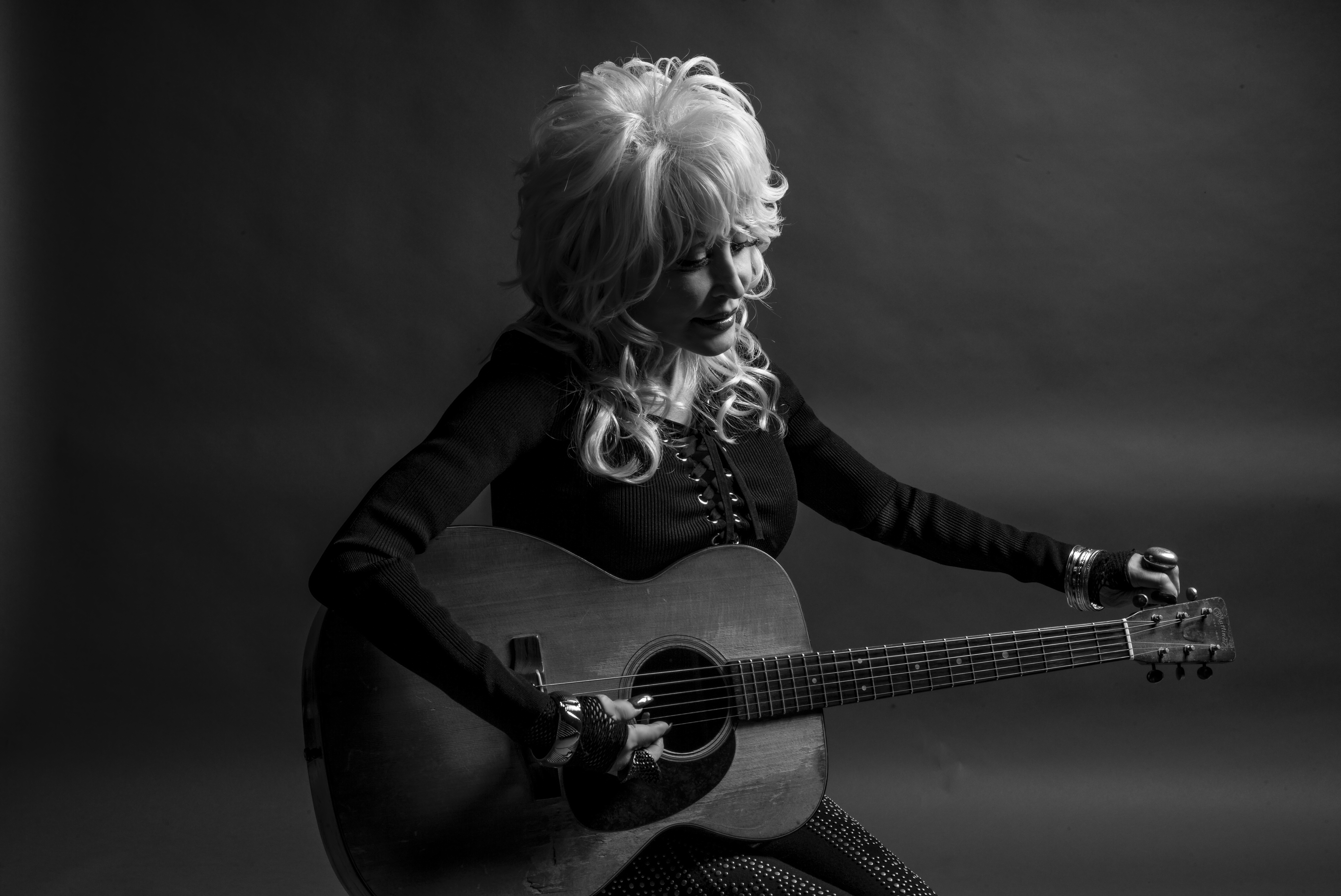 Eight-time GRAMMY® Winner Dolly Parton to Be Honored as 2019