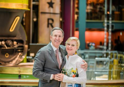 Starbucks Chairman Emeritus Howard Schultz and Chief Design Officer Liz Muller (Photo: Business Wire)