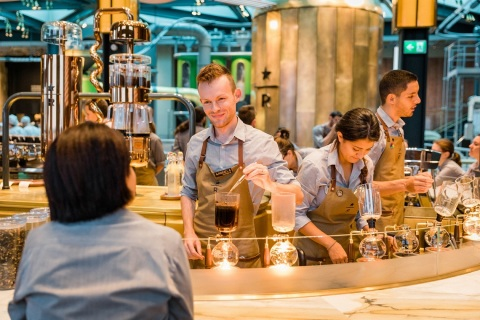 Starbucks Reserve Roastery Milan barista (Photo: Business Wire)