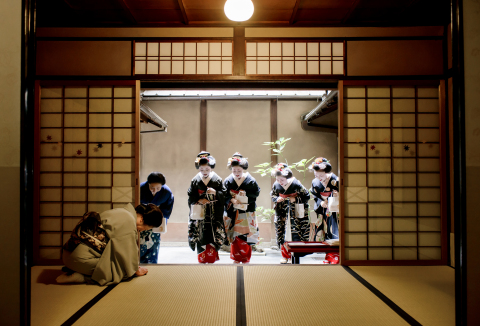 """During the event, photos showing various scenes taken in each season from """"Gokagai entertainment districts"""" of Kyoto will be on display. (Photo: Business Wire)"""