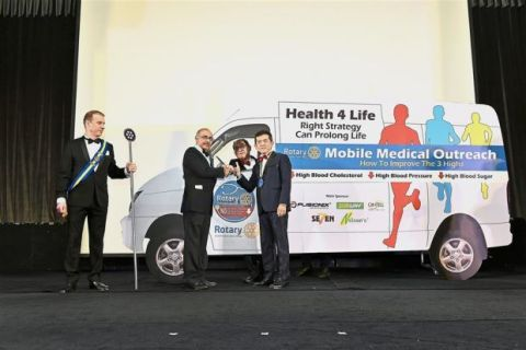Fusionex is a main partner of the Rotary Club of Kuala Lumpur DiRaja Mobile Medical Outreach program which was launched recently by the Club's president Datuk Seri Nelson Kwok (right) and Rotary Butterworth district governor Dr Baskaran Gobala Krishnan (second left). In the van is program head Dr Yap Chung Mui. (Photo: Business Wire)