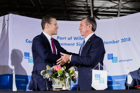Badr Jafar, chairman of Gulftainer's Executive Board, and Delaware Gov. John Carney at the ceremony marking the Port of Wilmington concession agreement signing on Sept. 18, 2018. (Photo: Business Wire)