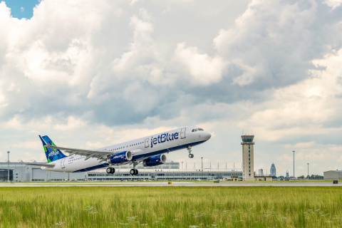 JetBlue and Airbus Take to the Sky Using Renewable Jet Fuel. (Photo: Business Wire)
