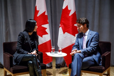 BroadbandTV Founder and CEO Shahrzad Rafati and Prime Minister Justin Trudeau discuss the Business Women Leaders task force on Sept. 10, 2018. (Adam Scotti, photographer for the Prime Minister)