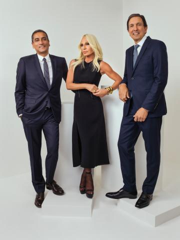 L-R: Jonathan Akeroyd, Donatella Versace, John D. Idol. (Photo: Rahi Rezvani)