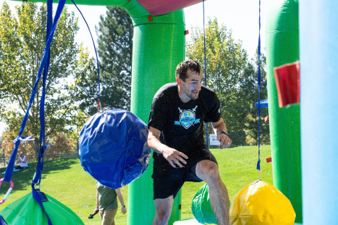 Solutionreach employee competes in The Gauntlet to raise money for the Utah Chapter of Leukemia and Lymphoma Society (Photo: Business Wire)