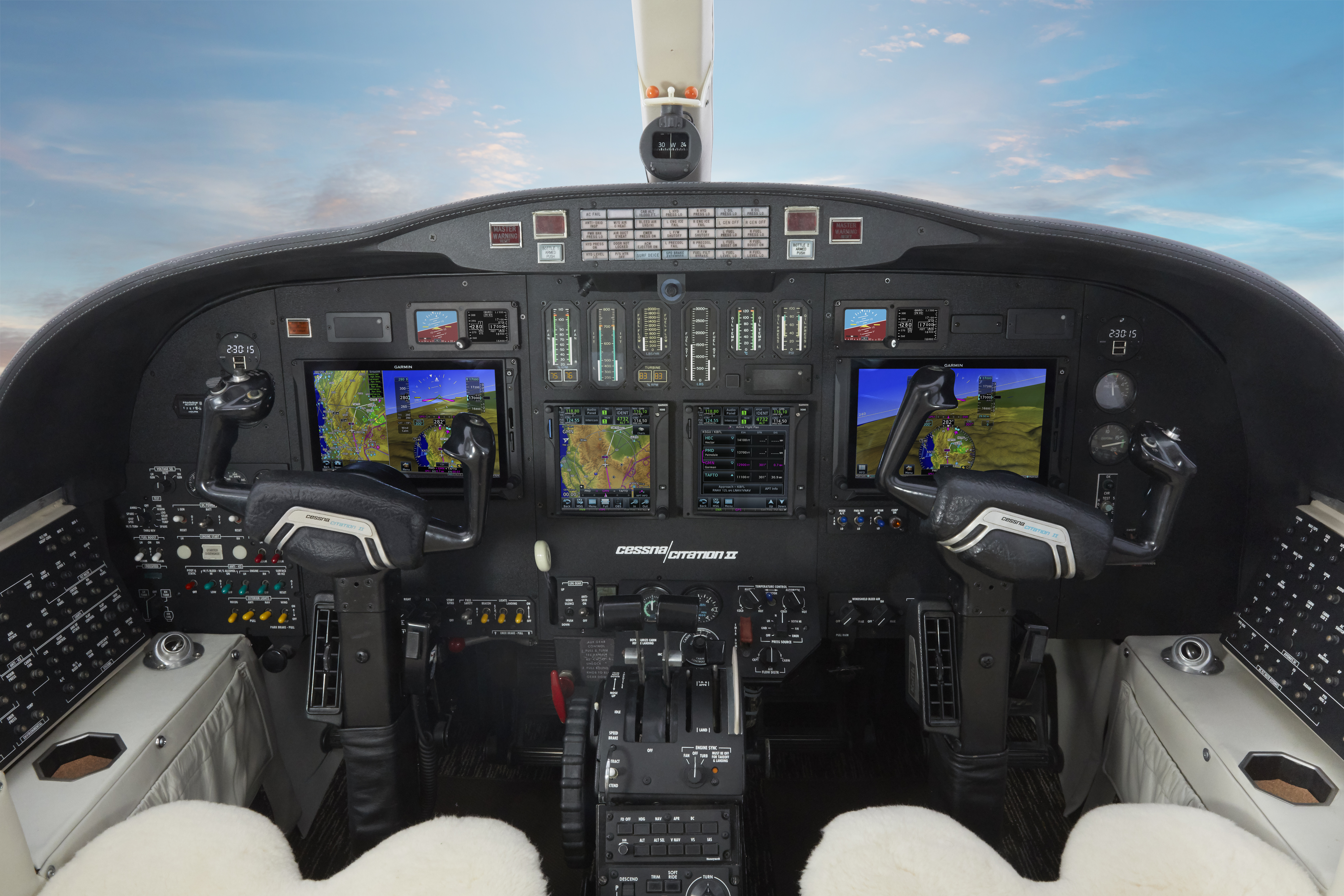 Garmin® announces availability of the G700 TXi flight display | Business  Wire