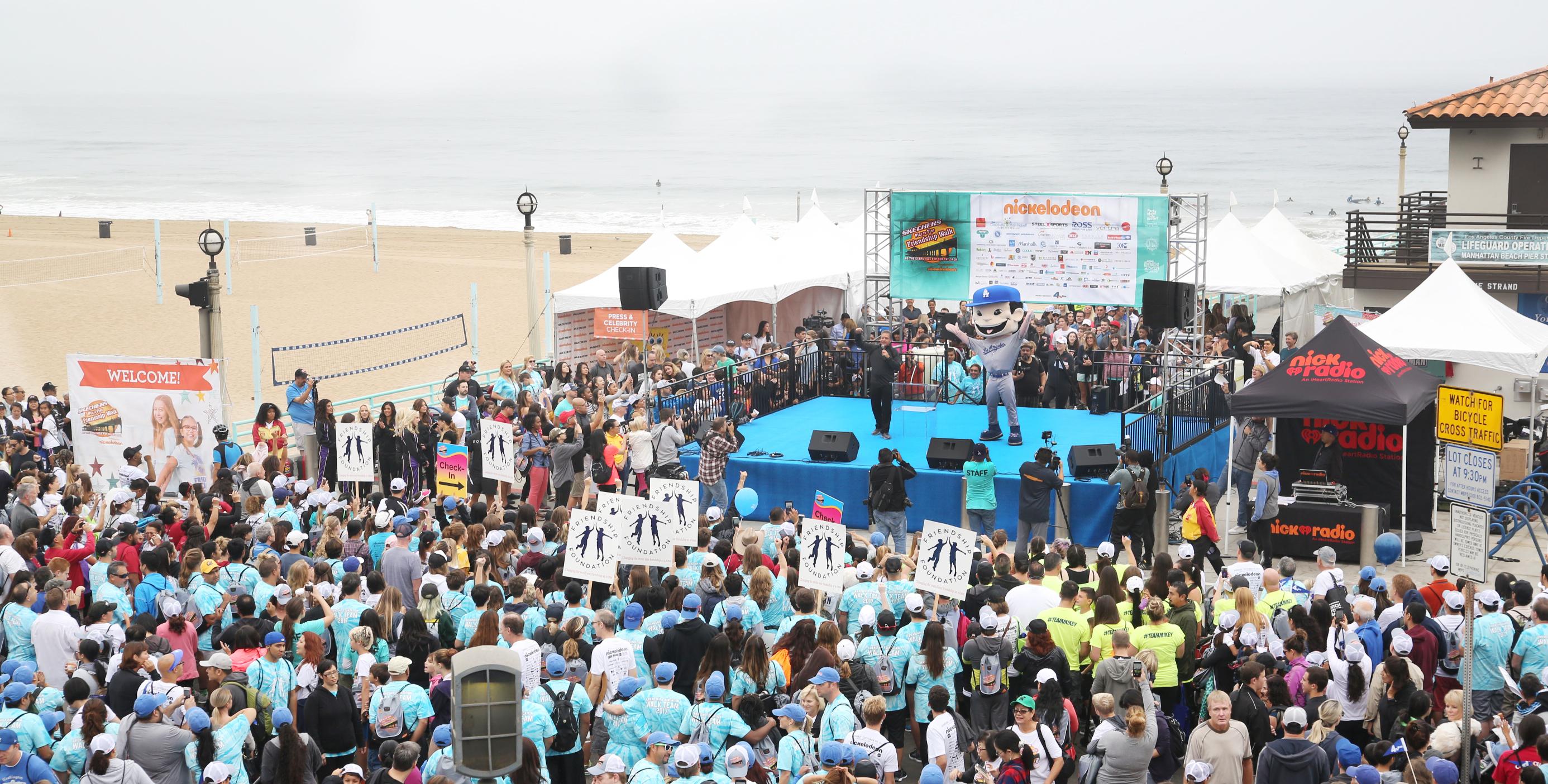 Skechers Celebrates 10th Pier to Pier Friendship Walk with