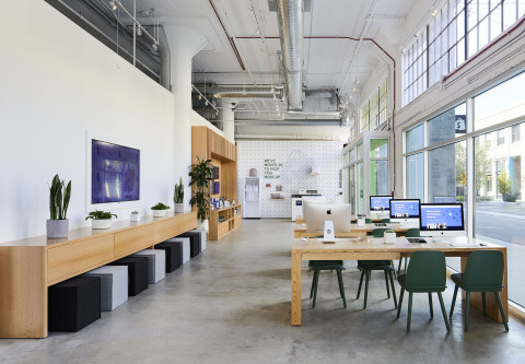 Inside Shopify LA, a new first-of-its-kind space at ROW DTLA that provides help, support, and community events for entrepreneurs and Shopify merchants. Anyone can book appointments and consultations online, or drop in to speak to Shopify's expert staff. (Photo: Business Wire)