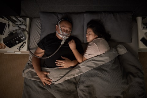 AirFit F30 Wearing in bed, aerial view (Photo: Business Wire)