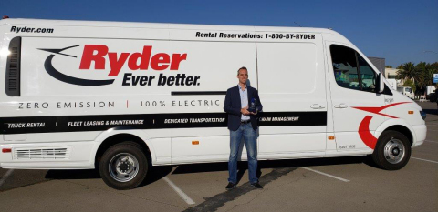 Chris Nordh, Ryder Sr. Dir. of Advanced Vehicle Technologies & Energy Products, accepts Green Fleet Award for Ryder's efforts in helping companies transition to zero-emission electric fleets. (Photo: Business Wire)