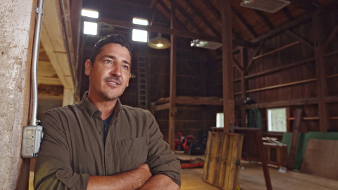 Jonathan Knight, New Kids on the Block singer and star of HGTV pilot 'Farmhouse Fixer' (Photo: Business Wire)