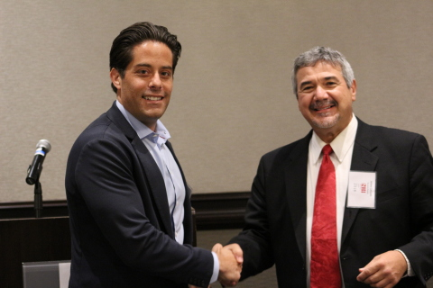 Blake Gurfein, PhD and Tivic Health's VP of Research & Scientific Affairs receiving Gold Electrode Award from Jim Cavuoto, Editor and Publisher of Neurotech Reports at the recent Neurotech Leaders Forum (Photo: Business Wire)