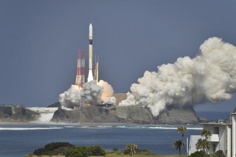 H-IIA Flight 40 Launch (c) MHI