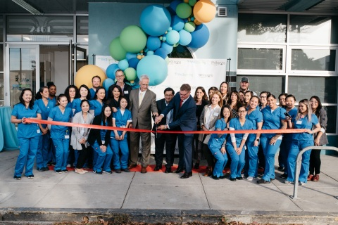 Andrew Beyers, Chief Pharmacy Officer (left), Jesse Arreguin, Mayor of Berkeley and Rick Niemi, Wellspring President and CEO (right) cut the red ribbon to celebrate the Grand Opening of Wellspring Compounding Pharmacy. (Photo: Business Wire)