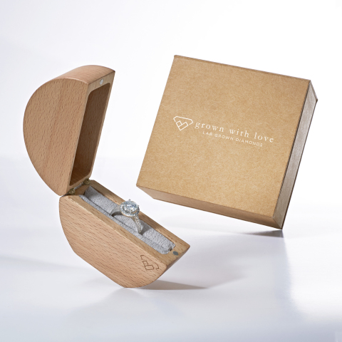 Award Winning Grown With Love Lab Grown Diamonds™ Packaging (Photo: Business Wire)
