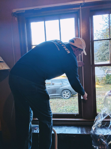 WGL's sixth annual Day of Weatherization prepared the homes of low-income and elderly residents for winter conditions. More than 200 volunteers treated approximately100 homes throughout Washington, D.C. Maryland, Virginia and West Virginia.