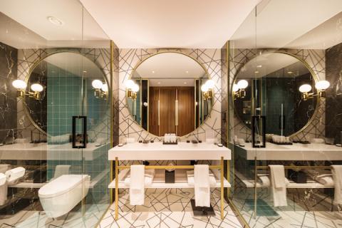 Infinity bathroom at Hotel Sofia Barcelona (Photo: Business Wire)