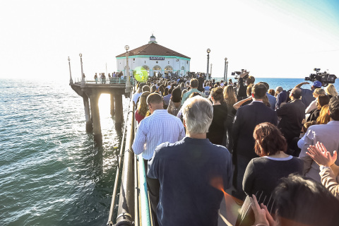 Community of Manhattan Beach, Calif. comes out in support of the unveiling of the modernized Roundhouse Aquarium, now a state-of-the-art marine teaching center due to the efforts of the Harrison Greenberg Foundation and the Roundhouse Beautification Project. (Photo: Business Wire)