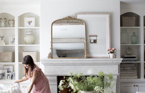 "Jillian Harris' Living Room featuring ""The Beach"" by Baumbirdy (Photo: Business Wire)"