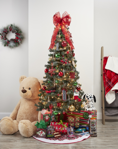 Dollar General Creates Holiday Magic This Season (Photo: Business Wire)