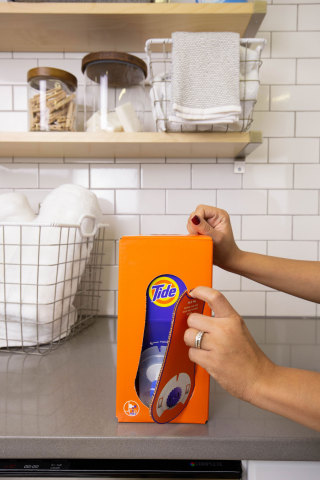 The new Tide Eco-Box: liquid laundry detergent designed for eCommerce. (Photo: Business Wire)