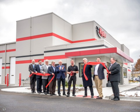 Ryder Chairman & CEO Robert Sanchez, executives, and employees, along with the Mayor of St. Charles, Ill. Raymond Rogina, during the ribbon cutting ceremony in St. Charles, Ill. (Photo: Business Wire)