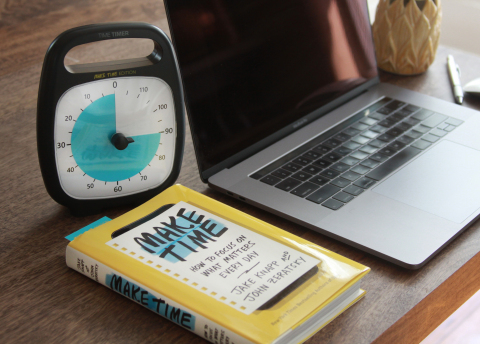 The new Make Time special-edition PLUS ® 120-minute timer shown with the Make Time book. (Photo: Business Wire)