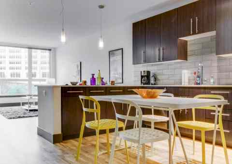 Vacasa Multifamily has launched in top urban markets including Boise, Chicago, Dallas, Houston, Portland, San Antonio, and Seattle. (Photo: Business Wire)