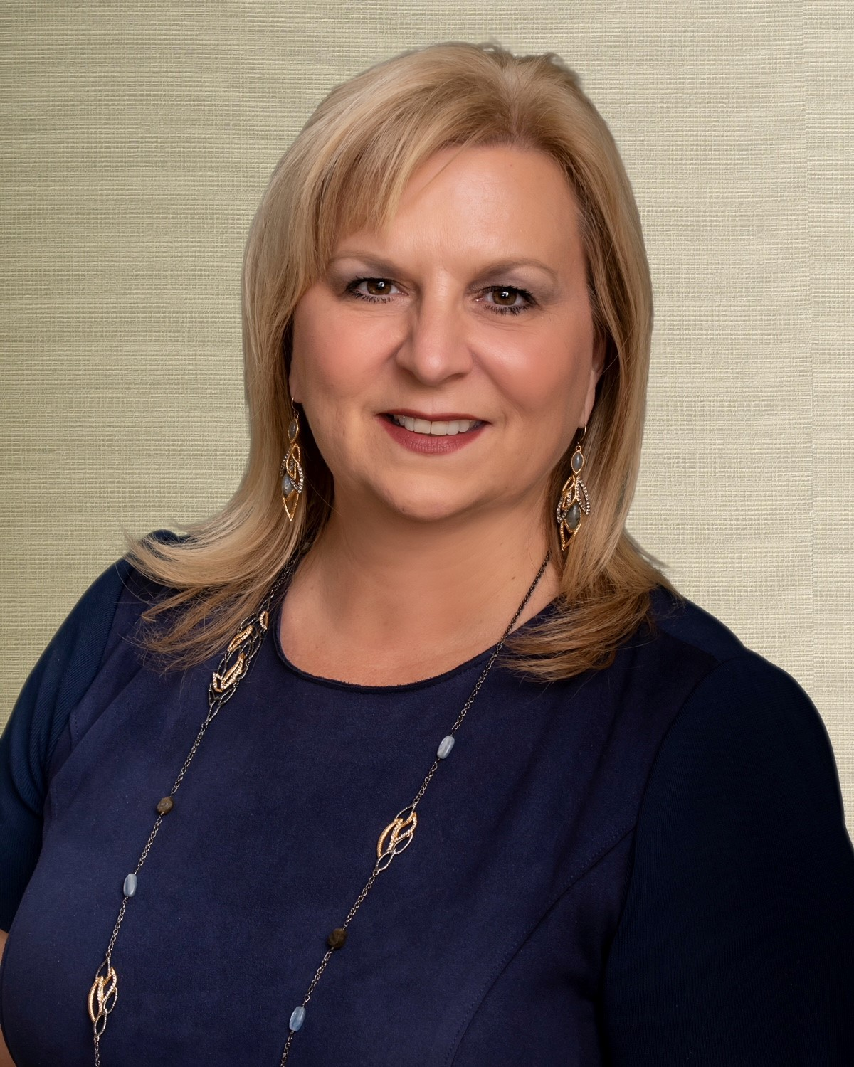 hilton grand vacations appoints hollie gilbert as vice president